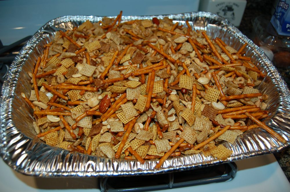 How to throw the ultimate Sam's Club Chex Party Mix-Change: