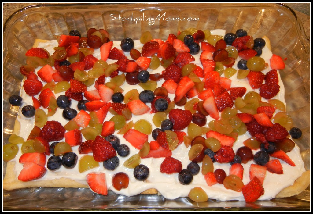 Only 5 ingredients in this easy to make and delicous dessert fruit pizza