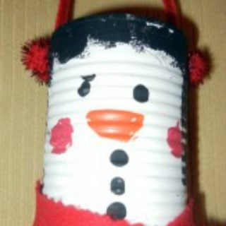 Eco Friendly Winter Craft – Soup Can Snowman