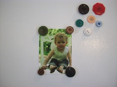 How To Make Button Magnets - This is an easy craft that you can make with Vintage Buttons.