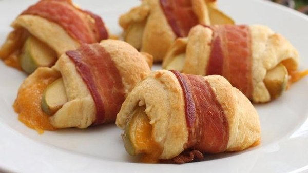 pillsbury bacon wrapped apple cheddar rolls
