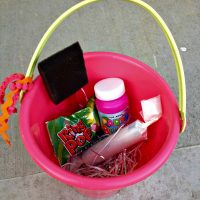 DIY  Kids Fun Activity Buckets
