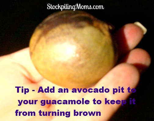 How to keep guacamole from turning brown. This tip REALLY works!