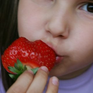child_strawberry