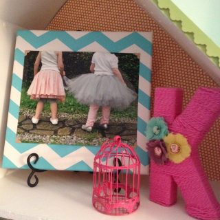 DIY Canvas Picture Holder
