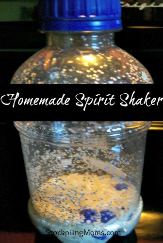 This Homemade Spirit Shaker is perfect for sports moms!