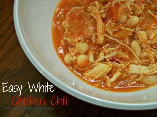 Easy White Chicken Chili is perfect for a cold evening! The BEST chili recipe ever!  #easychilirecipe