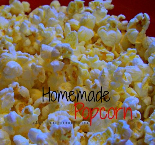 How to make Homemade Popcorn! It is a healthy snack and perfect for movie night!