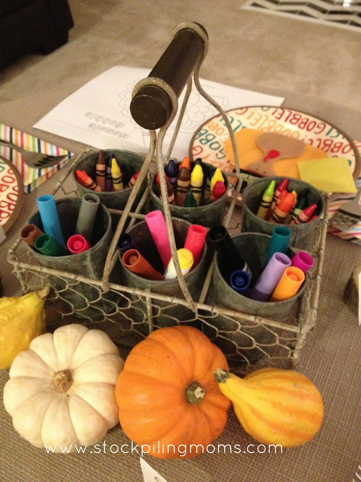 How To Decorate a Kid's Thanksgiving Table