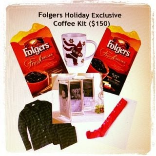 12 Days of Christmas #Giveaway #8 :: Folgers Holiday Coffee Kit :: CLOSED