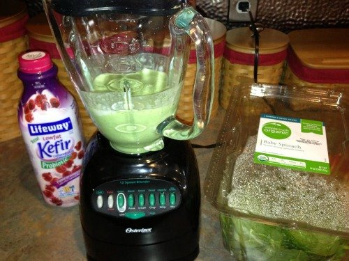 Blueberry Delight Green Smoothie! So refreshing and energizing! A great way to start your day!
