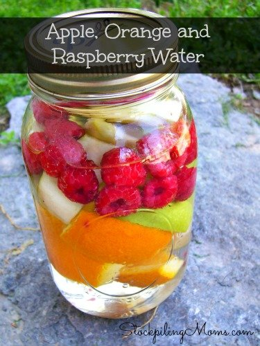 This Apple, Orange and Raspberry healthy jar water is so refreshing and energizing! A great way to get your water in each day!