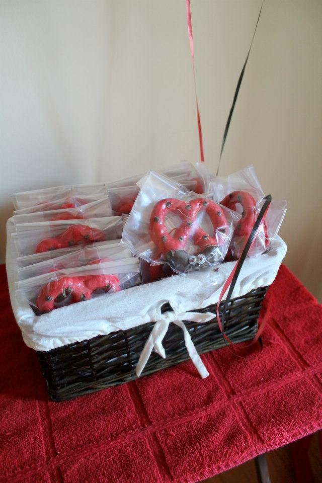 Ladybug Pretzels are the perfect Party Favor for your next party or baby shower.
