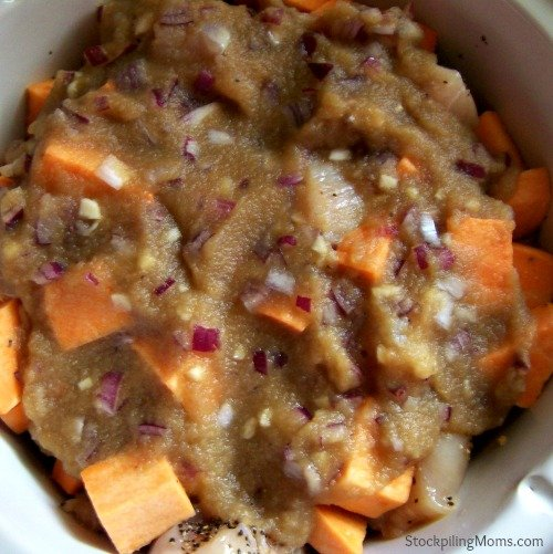 Crockpot Chicken with Apple and Sweet Potato is s delicious and healthy recipe!