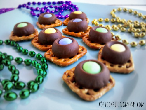 Mardi Gras Munchies are a fun treat to make for Fat Tuesday