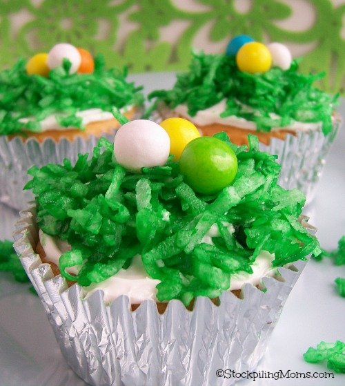 Easter Egg Cupcakes are perfect for the children! #easter