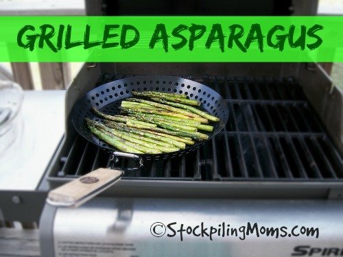Grilled Asparagus is the perfect side dish to any grilled meat! #grilling #asparagus #paleo