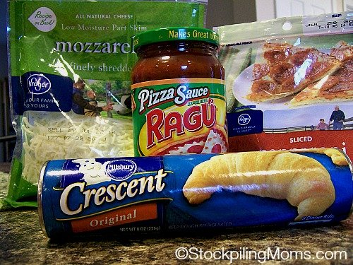 Only 4 ingredients needed to make tasty Homemade Pepperoni Hot Pockets!