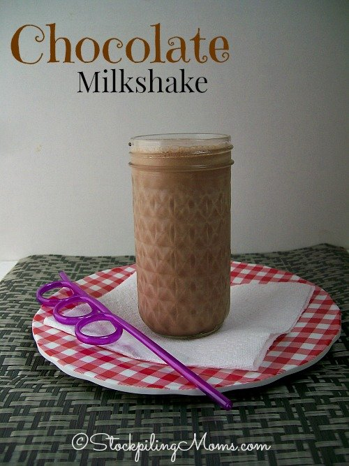 Chocolate Milkshakes are perfect on a hot summer day! #milkshake