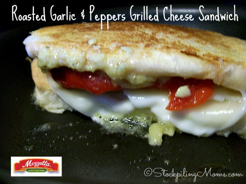 Roasted Garlic & Peppers Grilled Cheese Sandwich is super tasty and ready in less than 10 minutes!