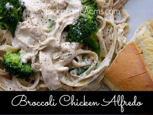 Broccoli Chicken Alfredo is such an easy one dish dinner, full of flavor and is very filling!