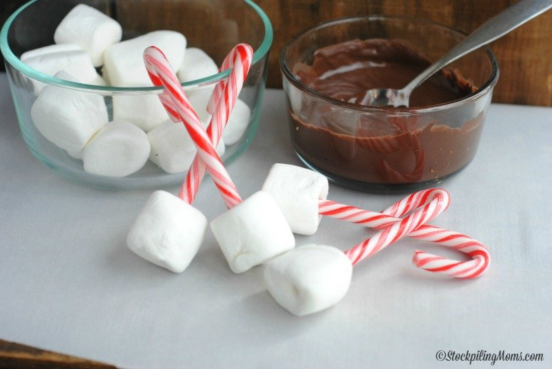 Peppermint Cocoa Dippers are so easy to make and the perfect addition to your Christmas parties