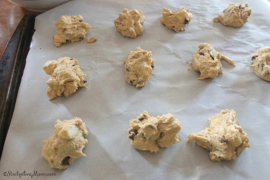 S'more cookies are easy to make and taste delicious!