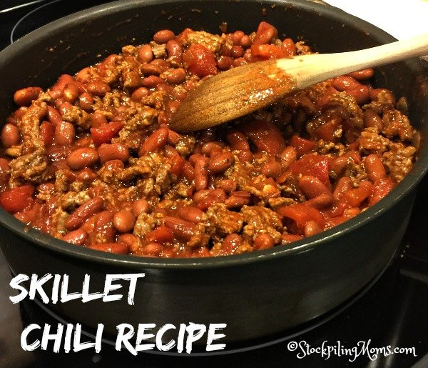 This easy Skillet Chili Recipe is a great tasting 30 minute one pot meal dish!