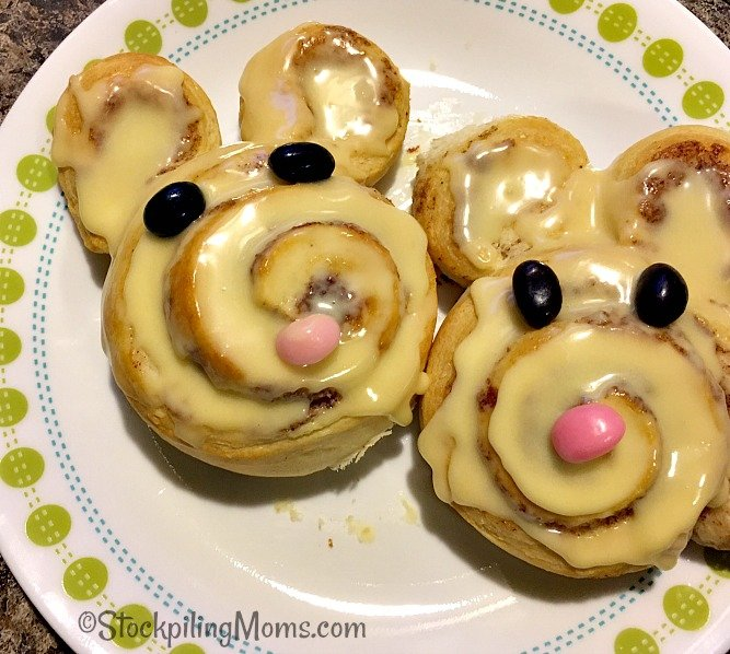 These adorable Easter Bunny Cinnamon Rolls are super easy to make!