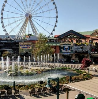 The Best Attractions and Dining of Pigeon Forge, TN