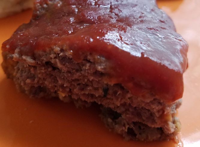 Try this healthy traditional meatloaf recipe that you can prepare in the instant pot or oven. Best of all it is Weight Watchers friendly! Only 6 points!